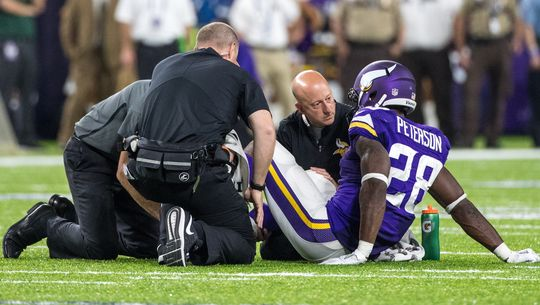 adrian-peterson-injury-2016-01